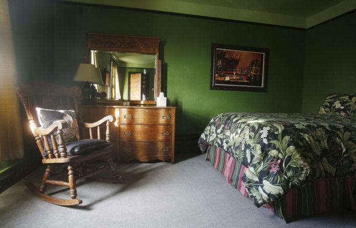 Nit-Picking Grandma? And A Friend's Room